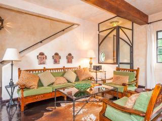 Elegant Mexican Home - Casa Azteca
