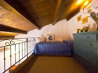 Charming location apt  Old Town  FREE WI-FI, Alghero