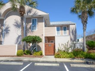 Beach Pointe  in Destin Florida Sleeps 6'