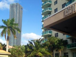 Luxury apartment with ocean view in Sunny Isles