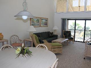 Sanibel Beach Club-Sanibel Island, FL 2br/2ba condo. Beachfront resort.