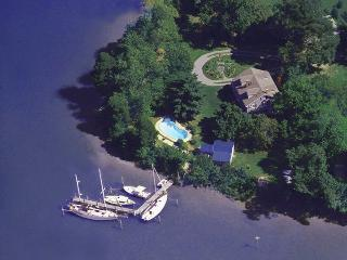 St. Michaels award-winning waterfront BayCottage, pool, docks, sundeck, grounds