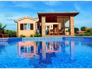 4 **** Villa with swimming pool near Porec, Istria, Kastelir