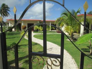 CASA ROYALE - TWO BEDROOM HOUSE WITH SOME OCEAN VIEWS  AND POOL IN COROZAL