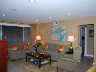 Large Uptown Condo W/Pking-Easy Access to All NOLA, Nueva Orleans