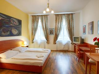 Apartment with breakfast in City center of Prague, Praga