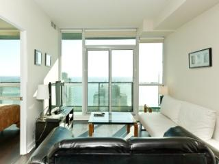 1BR Suite in Entertainment District Toronto