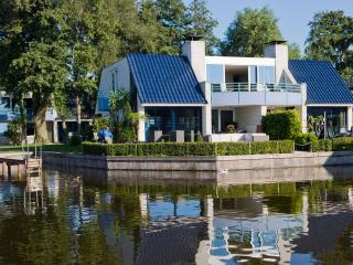 AMSTERDAM:/Loosdrecht SEMI-DETACHED 6-8 persons at Amsterdam Leisure Lakes