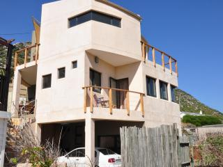 Stylish self catering accommodation, sea views, Clovelly