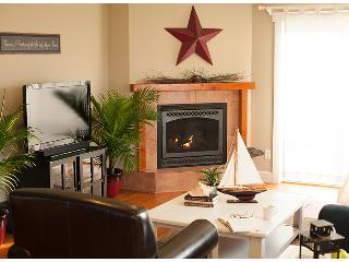 Cozy Harbor Cottage, A Whidbey Island Favorite