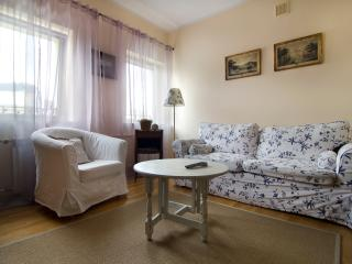 City center apartment! Next to metro, Nowowiejska