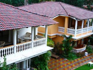 3 Guestroom Modern Family Holiday Villa, Calangute