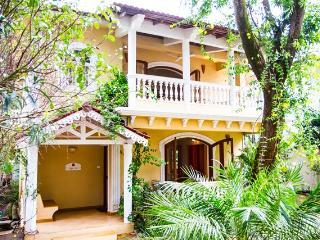 Villa Silhouette - Three Guestroom Holiday Villa