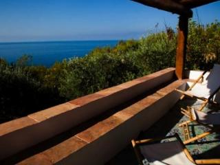 Villa with private access to the sea for 9 people, Maratea