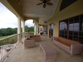 Golden Castle Villa, Montego Bay 12BR