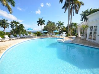 FULLY STAFFED! POOL! BEACH MEMBERSHIP! VIEWS! Pharos-Summertime- Montego Bay 5BR