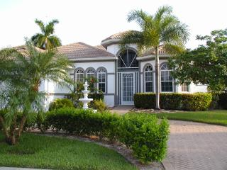 Beautiful vacation home & boat in sunny Cape Coral