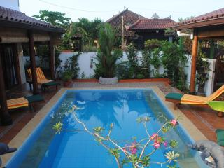 Tropical Oasis - amazing full views: Pool Suite, Jimbaran