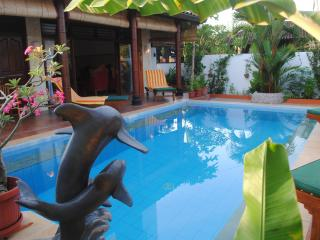 Tropical Oasis - amazing full views: Main House, Jimbaran
