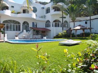 CASA GRAN DIA - UP TO 16 GUESTS ! GREAT DEALS!!