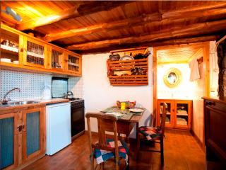 Casa da Vinha kitchen