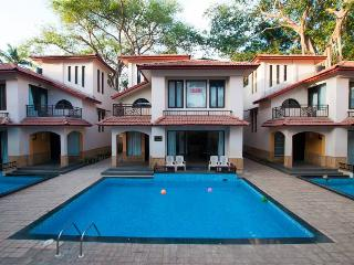 SNS beach holidayvilla with private pool Calangute