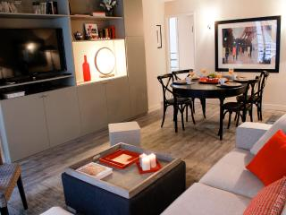 Excellent Eiffel Tower- 2 bedroom apartment