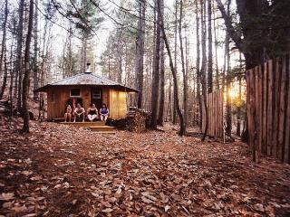 Mountain Brook Yurt Off-The-Grid Retreat