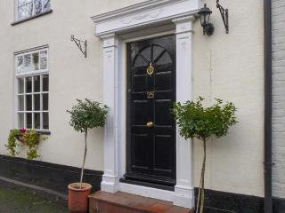 TED'S PLACE, character cottage, roll-top bath, pet friendly, enclosed garden, in Aylsham, Ref. 29247