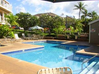 Wailea Grand Champions #50 is a 2 Bd 2 Ba Upgraded Unit. It can sleep 6.
