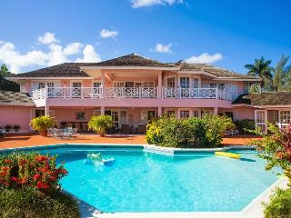 Villa Mara at Mammee Bay, Jamaica - Beachfront, Pool, Tennis Court