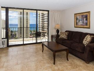 Waikiki Banyan Tower 2 Suite 2014, Honolulu