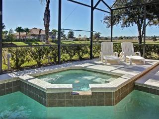 LUXURY 4BR/3BA SOUTH FACING POOL/SPA, GREAT AMENITIES