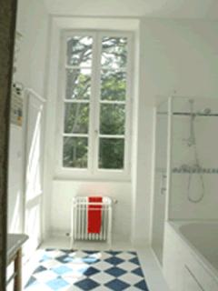 bathroom suite for 4 persons