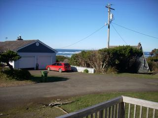 Beach House Get-Away / Steps from the Beach, Waldport