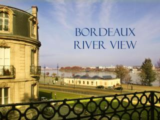 Elegant, Charming 1 Bedroom Apt with Amazing Views, Bordeaux