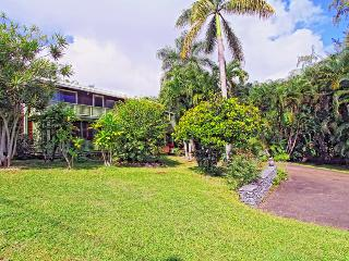 Across from Hana Bay - 2 bedroom/2bath