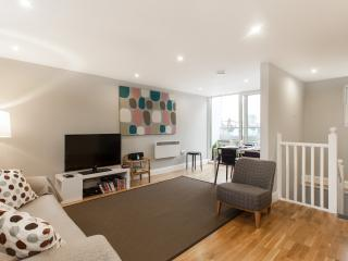 Trendy 2 Bedroom Apartment in London with Wifi, Londres