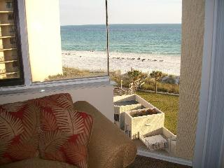 Ocean-View Unit in Prime Location on the Beach, Panama City Beach
