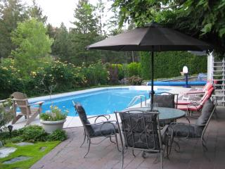Kelowna Executive Home with Pool and Hot Tub