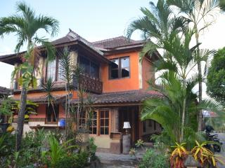 Villa Stanley - Apartment with amazing Garden View, Batu Layar