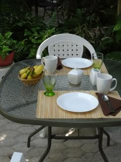 dining al fresco on your garden patio