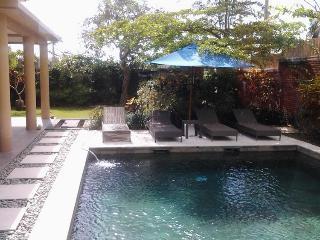 Three Bedroom villa in central Canggu - Villa Sarah Jaya