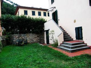 Villa Elena, nel cuore della Toscana, Vorno