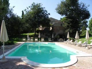 Luxury Villa for 16p in Marche countryside