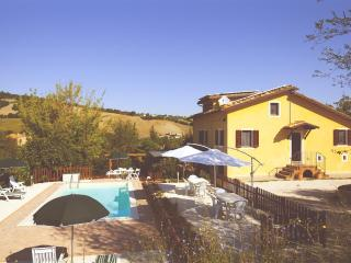 Your vacation in Villa with pool, San Ginesio