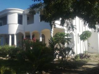 Coco De Ville Beach Holiday Home, Diani Beach