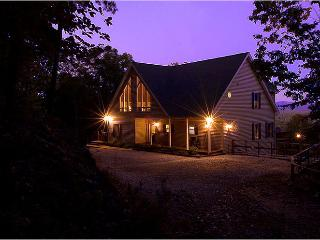 Luxury Mountain View Chalet, Cleveland