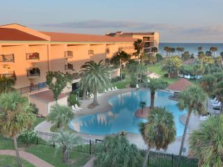 Galveston Tropical Breezes - 3 pools and hot tub