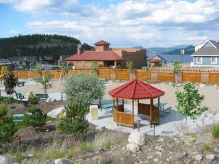 Resort comodidades de voleibol y zona de juegos infantiles